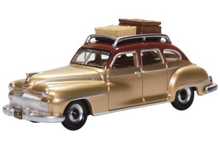 1948 DeSoto Suburban (Rhythm Brown/Trumpet Gold)