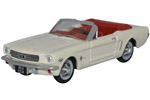 1965 Ford Mustang Convertible (Wimbledon White)