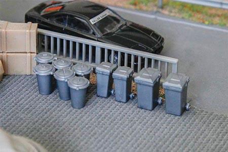 Vintage Garbage Cans & Recycling Bins (20 Pack)